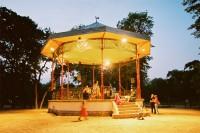 http://www.jorgealvarez.fr/files/gimgs/th-18_1_KiosqueMusiq_BD.jpg